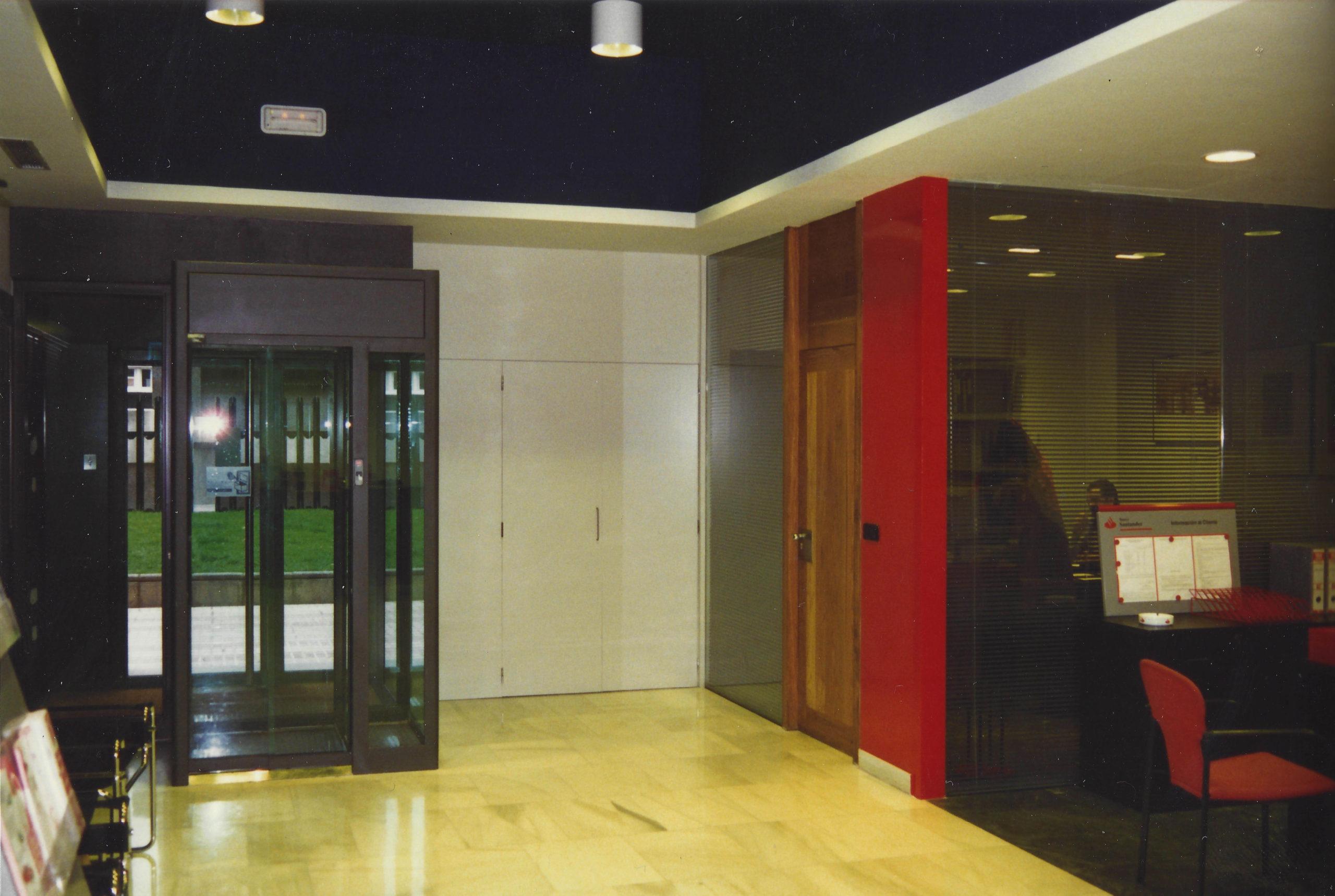 Reforma de oficinas Banco Santander</br>1989-2001