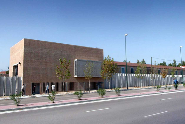 Centro de Salud Miralbueno</br>Zaragoza</br>2003